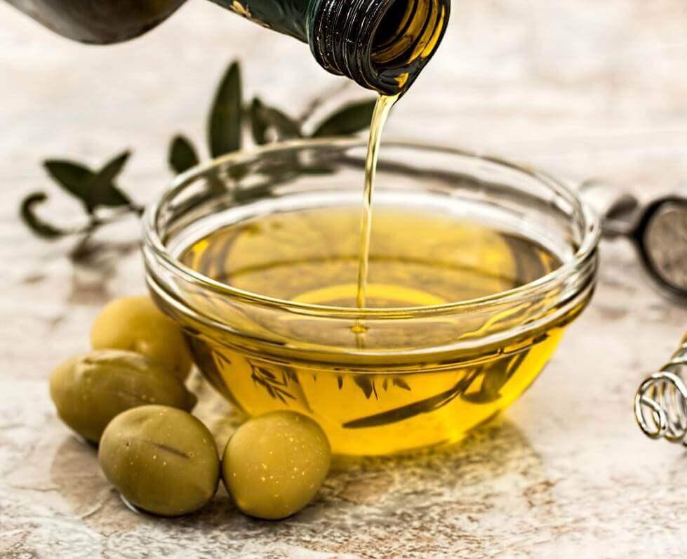 Frisches Olivenöl